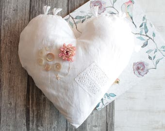 Large heart in antique linen, the Valentine's day gift, heart of old french linen, antique lace, 36 X 37 cm, COEUR171263