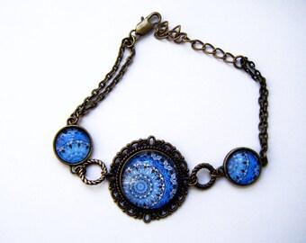 Bracelet three mandalas blue cabochons
