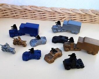 10 Plastic Game Piece Vehicle Markers -  Vintage - Suit Craft