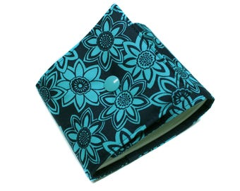 Length checkbook holder in navy and turquoise fabric