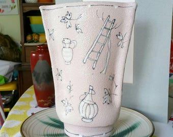 "Mid-Century Modern Italian Art pottery Beautiful Vintage Pink  with Creative MCM Art Vase signed  ""Italy"""