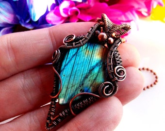 blue labradorite pendant-copper wrap-wire weave-wire wrap-wire wrapped jewelry-handmade jewelry-artisan jewelry-Melissa Wood Jewelry-boho