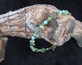 """flowers"" peridot and gem stone Beads Bracelet"