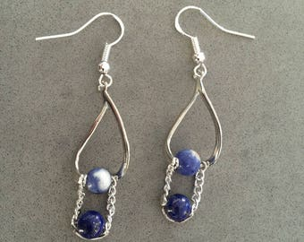 Earrings in silver and sodalite and lapis lazuli