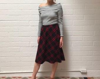Vintage Black and Red Plaid Knee Length Fall Skirt - High Waisted Fall Plaid Skirt - Medium
