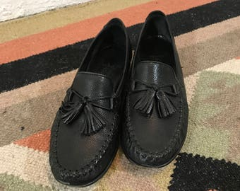 Women's Vintage 90s Cole Haan Black Leather Comfort Tassel Slip On Kiltie Loafers - Size 7