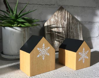 Wooden houses, Small wood house, Natural wood decoration, Christmas gift , Modern home decor, Hostess gift ,Snowflake pattern