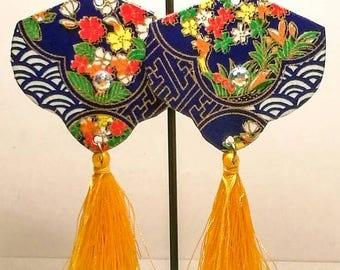 Elegant Jap-style earrings made from Japanese paper.