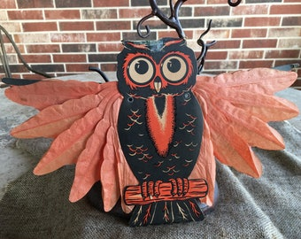 Authentic Vintage Owl with Adjustable Honeycomb Arms Halloween Cardboard Die Cut Decoration