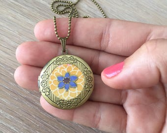 Necklace Locket, original jewelry, unique jewelry, artisan jewelry, gift woman, jewelry, floral Locket