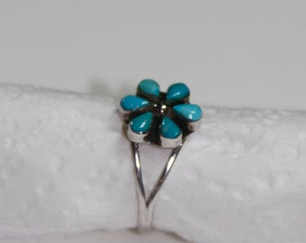 Sterling Silver and Turquoise Daisy Ring, size 7 women's