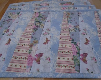 Placemats,Handmade Placemats,Set of 4 Placemats,Floral Placemats,Pink Placemats,Quilted Placemats,Spring Placemats,Table Mats,Blue Mat