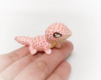 Gecko animal figurine polymer clay lizard animal totem miniature chameleon sculpture fantasy lizard figurine animal art lizard sculpture