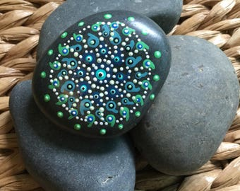 Dotted Stone-Shades of Turquoise & Mint