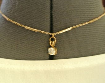 A Cute Faux Diamond Choker