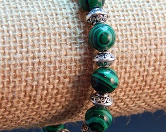 malachite beaded bracelet. 7 1/2 in