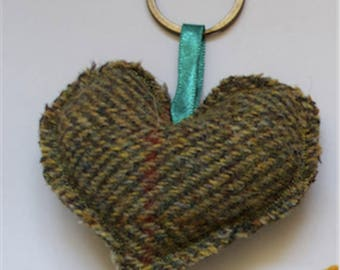 Beautiful Harris Tweed Green Heart Shaped Keyring-Country-Pretty-Gift-Christmas Decoration