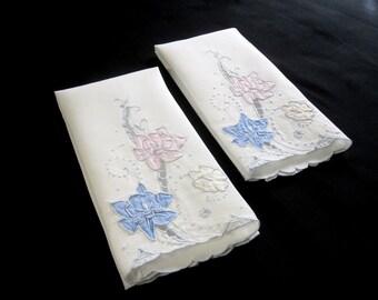 """Pair Vintage White Linen Floral Applique Guest Hand Towels, Embroidered Linen Guest Towels – 13.25"""" x 19"""" (cv2045)"""