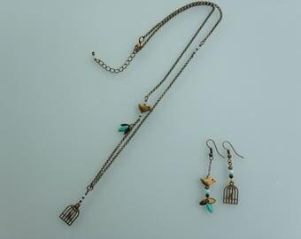 """""""Bird"""" asymmetrical necklace."""