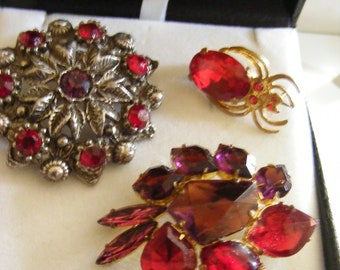 VINTAGE BROOCHES X 3