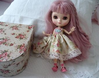 BLYTHE 30 cm doll dress TILDA with suitcase