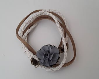 Bracelet wrap in vintage fabric flower