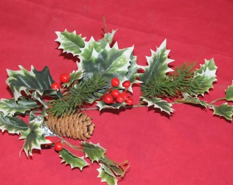 floral: pique Holly and berries