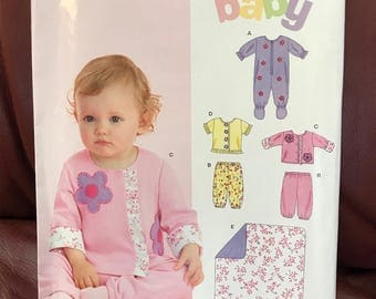 "Uncut Simplicity ""NewLook"" baby sleeper pattern in size NB-l"