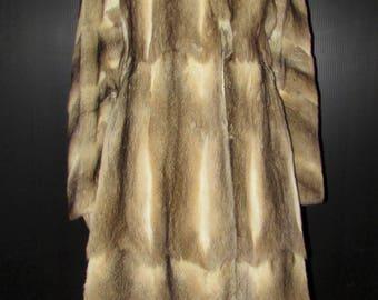 Vintage très  joli  manteau de véritable fourrure de bassarisk/ Vintage beautiful real bassarisk fur coat  SIZE SMALL  BUST 38