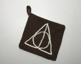 Harry Potter crochet hot pad deathly hallows inspired