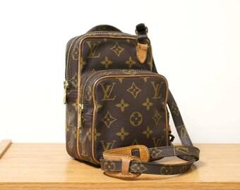 Authentic Vintage Louis Vuitton Monogram Amazone Mini Crossbody Bag LV Small Purse in Brown 80s Shoulder Bag Pouch Handbag YO4082