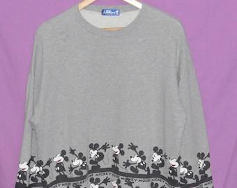 Vintage 90's MICKEY MOUSE Tokyo Disneyland Sweatshirt Sweater Crewneck Size Large