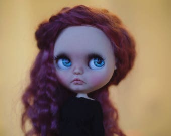 Dandie• ooak custom Blythe doll fake base with wefted mohair hair dark dusty rose color