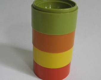 4 Tupperware stackable egg cups