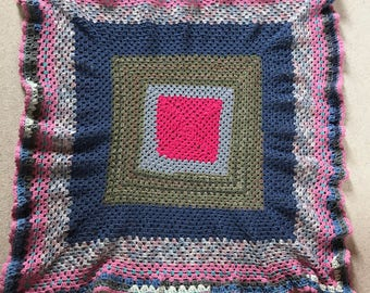 Granny Square Crochet Scallop Edge Lap Blanket Throw Cover