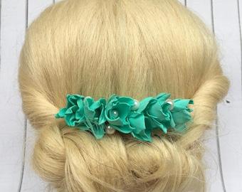 Wedding floral headpiece Flower hair piece Girl hair comb Turqoise flower Flowers Hair flowers Hair comb Mint wedding Bridesmaid flowers