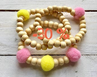 SUMMER SALE / / / Acapulco bracelets Trio / / / wooden beads and tassels