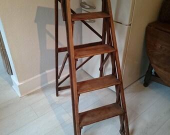 Vintage Wooden Lattice Step Ladder