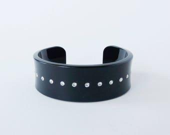 Vintage jewellery. Black vintage cuff. Retro cuff bangle. Cuff bracelet. Black jewelry. Black bangle. Vintage jewelry. Black bangle.