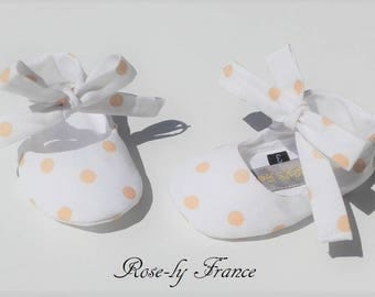 Booties (baby shoes) flats for baby white dot