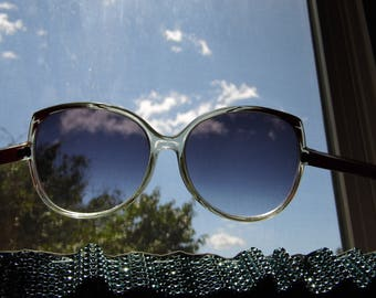 Retro Vintage 1970s Plus Size Womens Sunglasses - Priority Shipping World Wide!