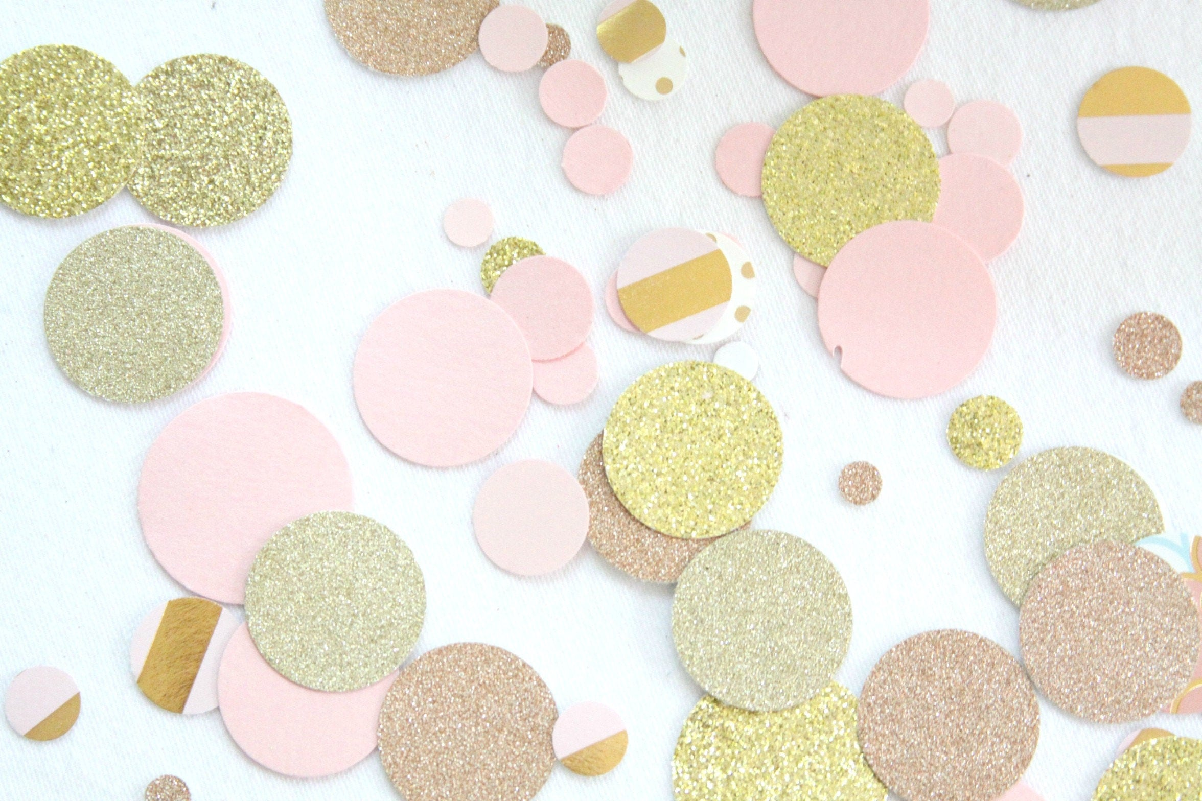 Rose gold confetti pink and gold baby shower decorations for Decoration rose gold