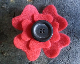 poppy brooch - red flower - flower brooch - hippie brooch - felt brooch - red brooch pin - brooch