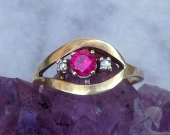 Vintage 50this Lady ring band GOLD 585 5.1 GR. 2 diamond 0.04 ct Ruby 0.25 ct