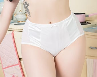 Bettie Thrifty White Full Brief 1950's stylePin-up lingerie Retro Rockabilly style.