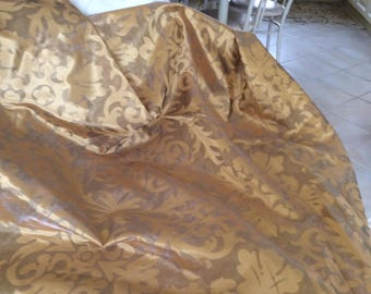 Sheer gold with baroque design large 140