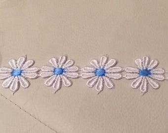 2 cm wide white and blue guipure lace