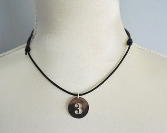 Necklace with medal figure to choose waxed cotton cord