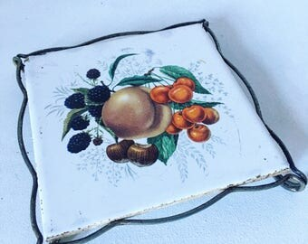 Vintage dish below. 1960's tile of GIEN. Fruit bowl.