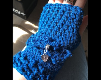 Navy blue fingerless crochet gloves